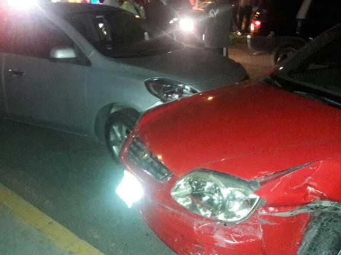 El sujeto fue detenido tras conducir en sentido contrario y a exceso de velocidad.