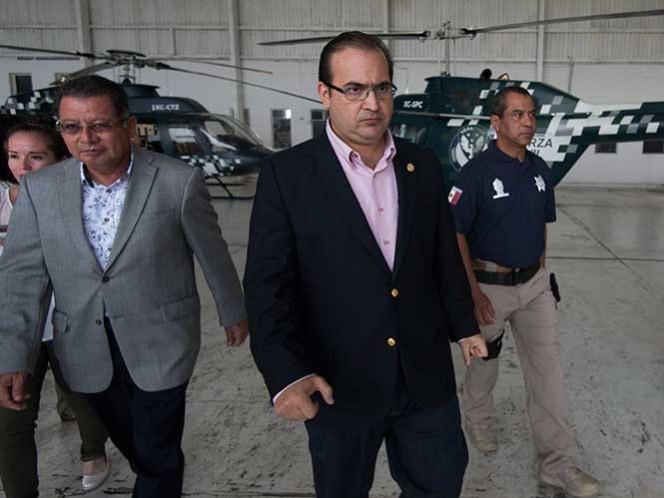 Javier Duarte indicó que presentará su petición al Congreso de Veracruz para separarse del cargo a 48 días de concluir su mandato.