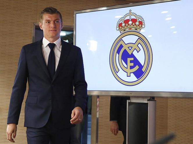 Toni Kroos considera que él no se retiraría a los 40 años, como lo ha declarado Cristiano Ronaldo (Fotos: EFE)