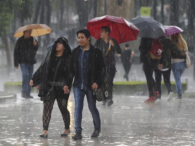Se mantendrán dos canales de baja presión sobre el país; tormentas fuertes en Michoacán, Guerrero, Puebla, Oaxaca, Chiapas y Veracruz