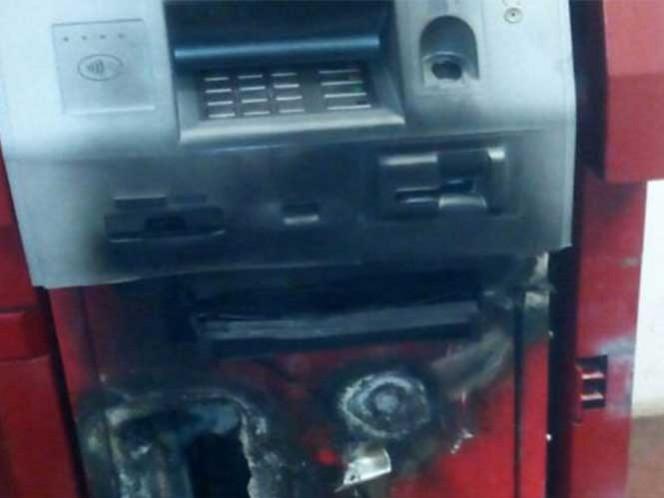 Saquean cajero automático del palacio municipal de Ixhuatán