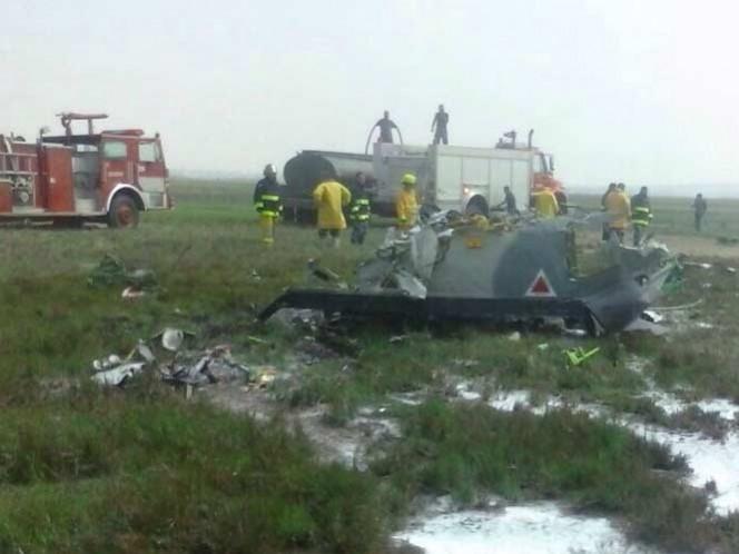 Mueren dos militares al desplomarse avión en Sonora