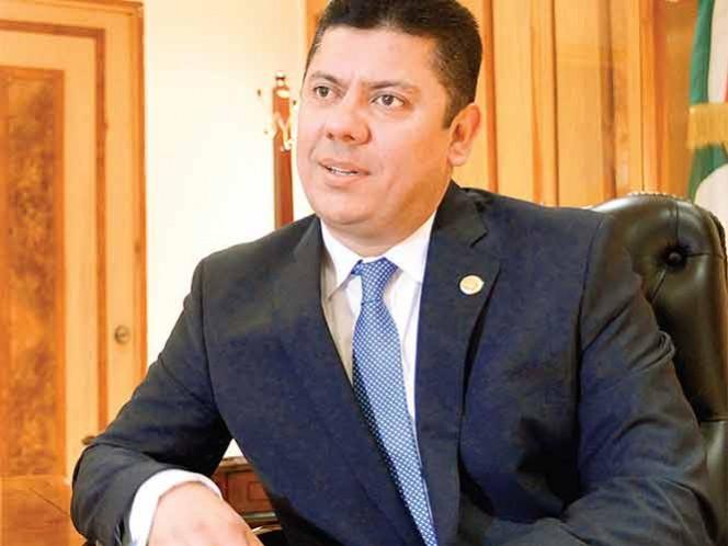 Meade exonera del gasolinazo a reformas energética y hacendaria