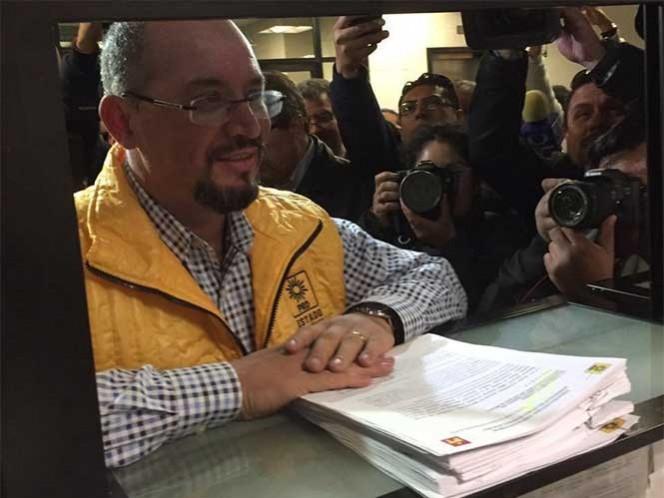 Los partidos de la Revolución Democrática y del Trabajo registraron la coalición el Cambio es Posible. Foto: Twitter @Omar_Ortega_A