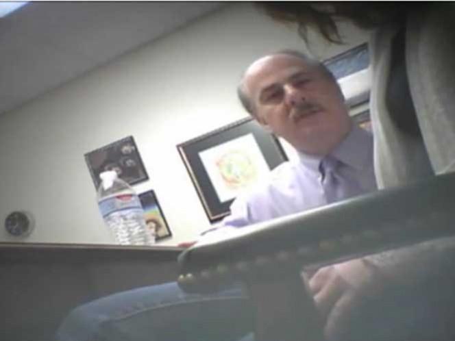 VIDEO Abogado hipnotiza a su clienta e intenta violarla