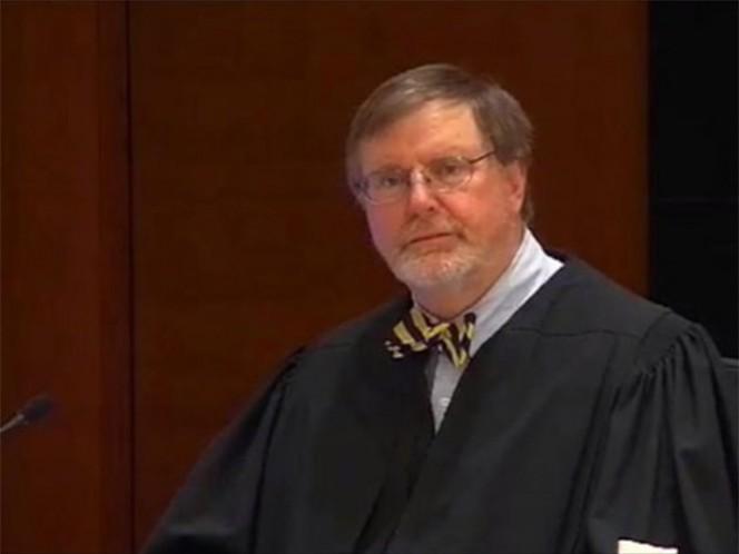 Trump volvió a apuntar contra el juez que suspendió el veto migratorio