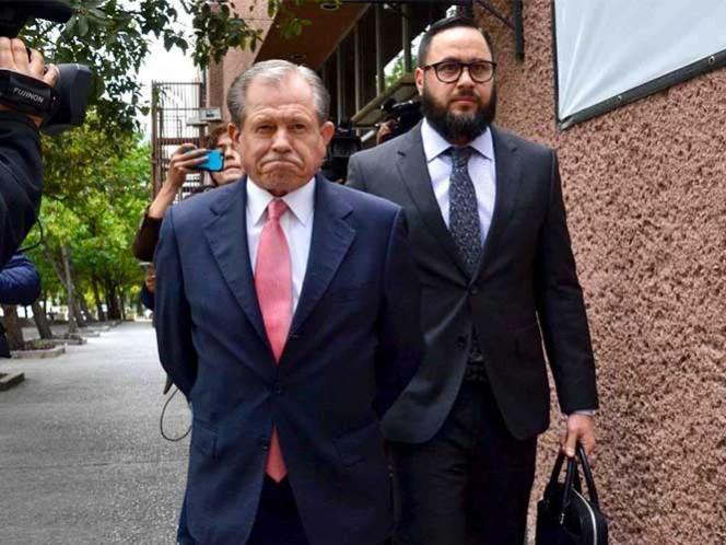 Comparece el papá de Rodrigo Medina por segunda ocasión en NL