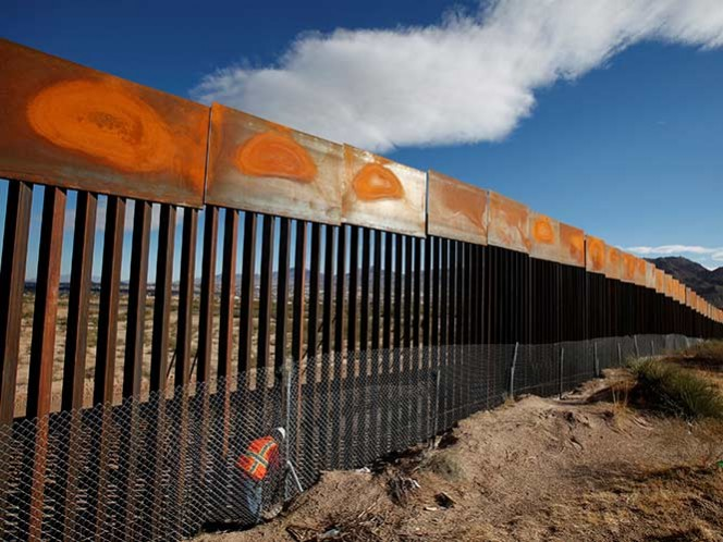 Demócratas amenazan con bloquear fondos para el muro fronterizo de Donald Trump