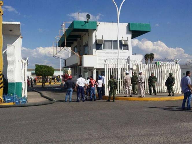 8 heridos deja explosión en refinería de Pemex