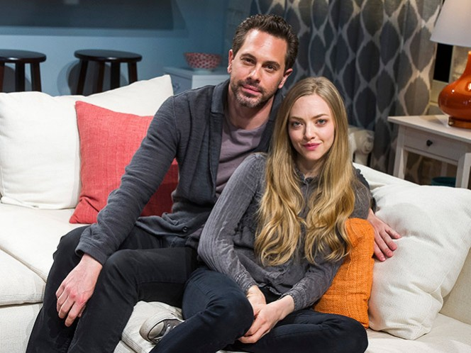 Amanda Seyfried se casa con el actor Thomas Sadoski