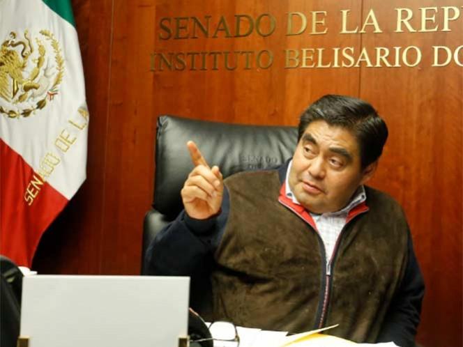 'Yo no me voy a ir del PRD', dice Barbosa a Padierna