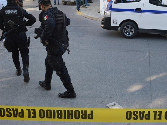 Hallan 8 cuerpos dentro de una camioneta en Guerrero