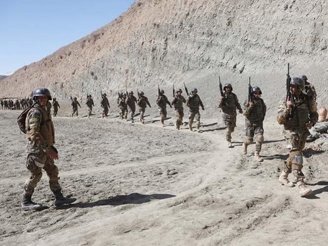 Ejército de EE.UU. justifica lanzamiento de bomba en Afganistán