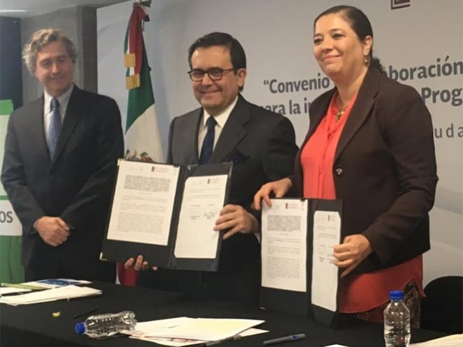 Se evaluará la opción de TPP sin EU, dice Guajardo