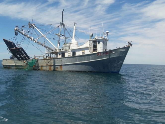 Aseguran barco que pescaba en área de protección de la vaquita marina