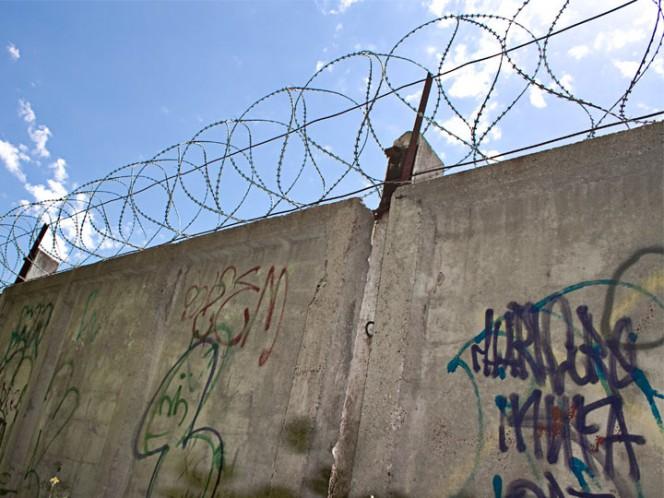 Aseguran drogas, celulares y gallos finos tras cateo en CEDES Nuevo Laredo