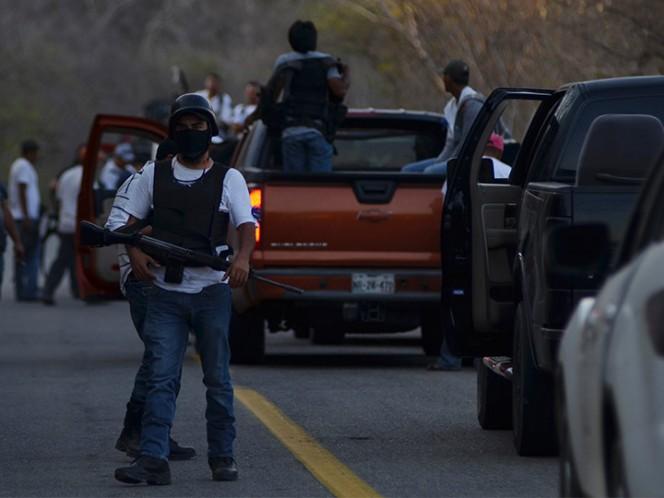 Liberan a 16 autodefensas; reclaman abandono del gobierno del estado