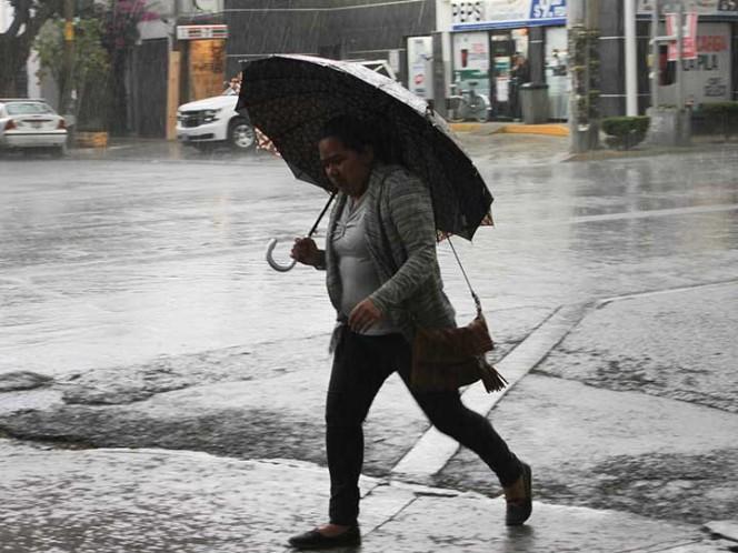 Prevén lluvias y chubascos en la mayor parte del país