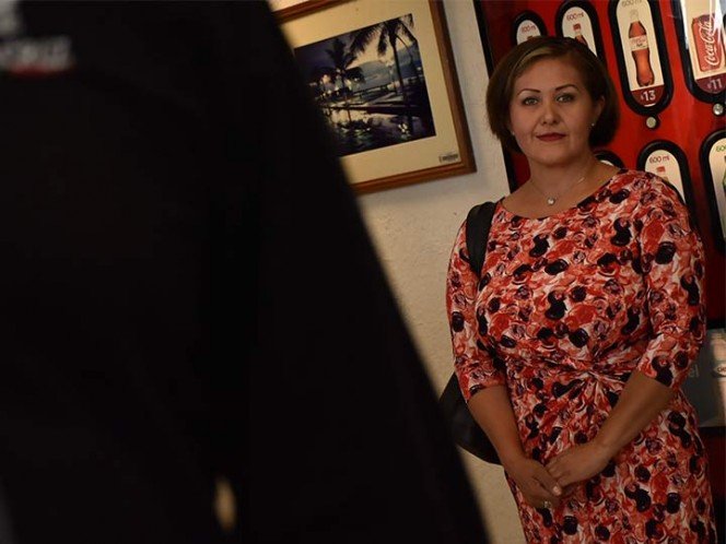 Reaparece Eva Cadena en el Congreso de Veracruz