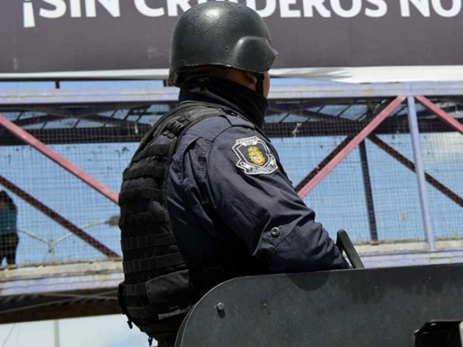 Vinculan a proceso a 20 policías detenidos en Zihuatanejo