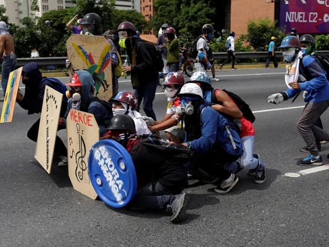 Más de 80 heridos en protesta opositora en Caracas