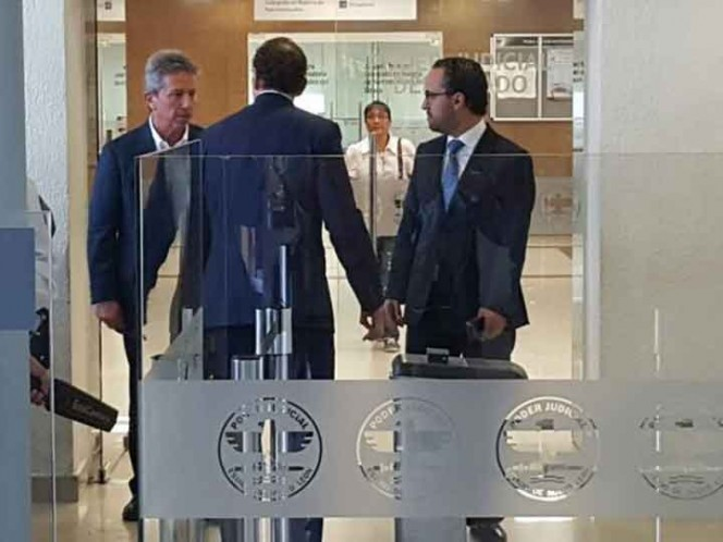 Vinculan a proceso a dos exfuncionarios de Rodrigo Medina