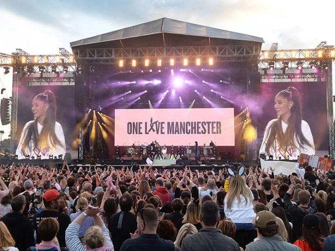 Ariana Grande regresa a Manchester y transmite concierto en vivo — Facebook