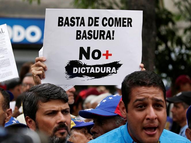 Maduro dice que manifestantes opositores consumen