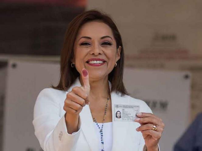 Vázquez Mota emite su voto