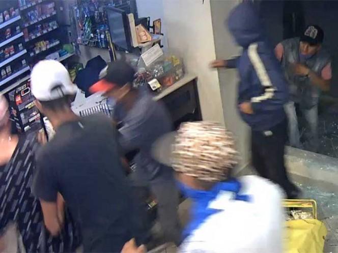 Grupo de encapuchados saquean tiendas en Tultitlán