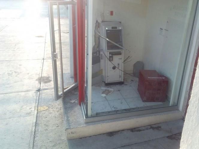 Hidalgo. 20 hombres armados roban cajero; reportan dos policías muertos