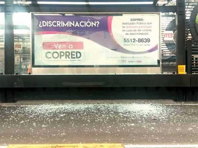 Sujetos vandalizan estaciones de línea 5 de Metrobús. Con Paola Rojas