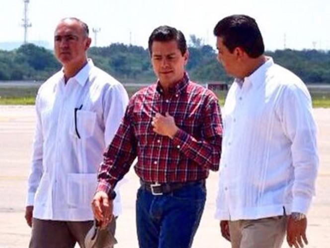 A un mes del asesinato de Javier Valdez, periodista protesta ante EPN