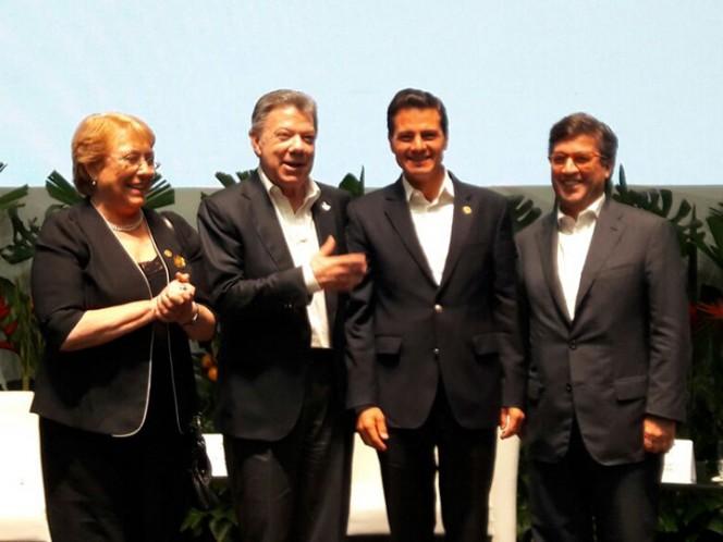 EPN llega a Colombia para asistir a la Cumbre del Pacífico