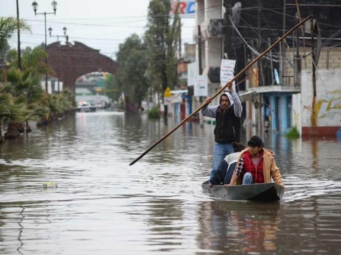 En San Mateo Atenco, en el Edomex, las lluvias han provocado inundaciones en varios puntos del municipio.