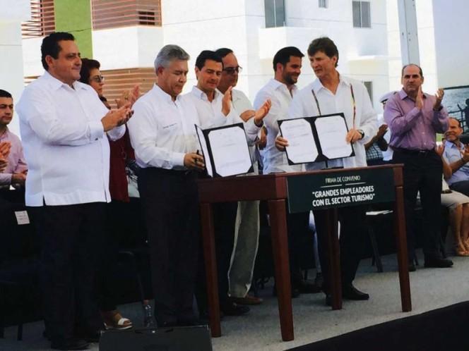 Se manifiestan contra cervecería ante visita de Peña Nieto