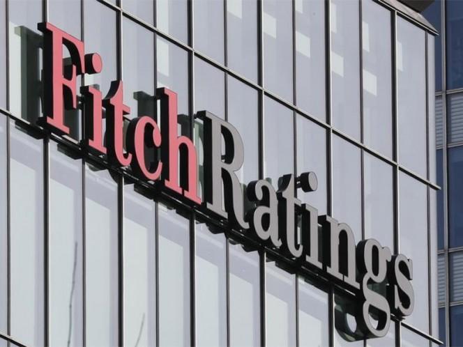 Fitch mejora la perspectiva de la calificación de México