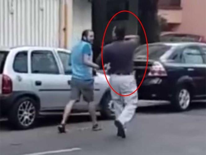 Automovilista se enfurece porque lo graban en carril del bicibus