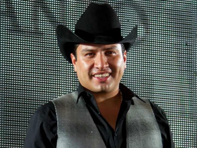 Julión Álvarez acepta que sí conoce al narcotraficante Raúl Flores