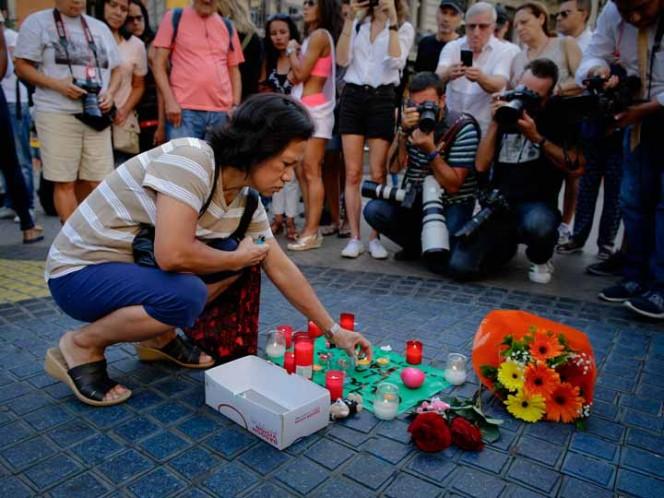 La cifra de muertos se elevó a 14después que una mujer falleciera en los ataques de Cambrils, que sucedieron horas después que el atentado en las Ramblas.
