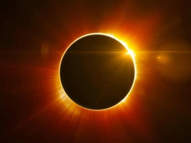 Miles de estadounidenses presenciaron con sorpresa el eclipse solar total
