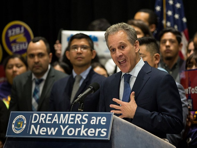California invertiría 30 mdd en ayuda a dreamers