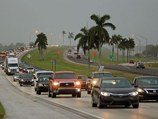 Ordenan evacuación de turistas en Florida ante llegada de huracán Irma
