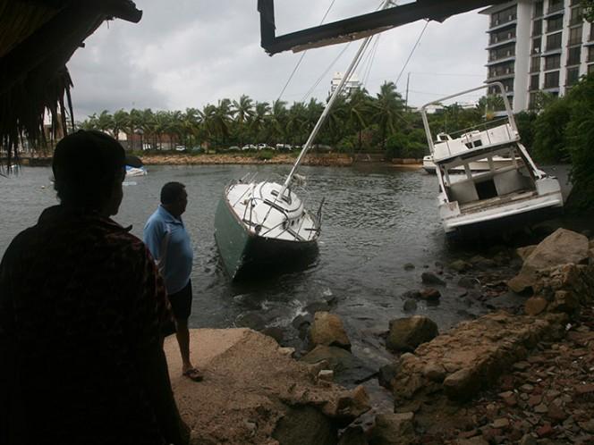 Interjet cancela vuelos hacia y desde Acapulco por 'Max'