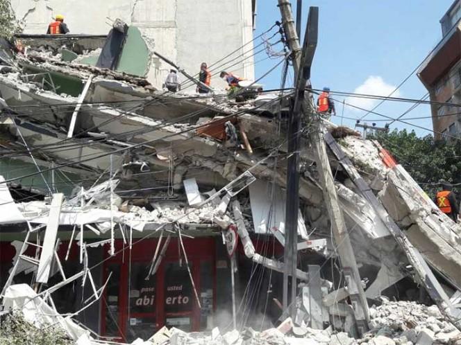 Al menos 20 edificios colapsados, informa Mancera