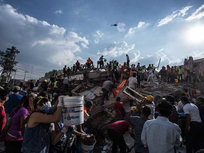 Edificio colapsado en las calles de Prolongación Peten y Av. Zapata en la colonia Sta. Cruz Atoyac. Foto: Cuartoscuro
