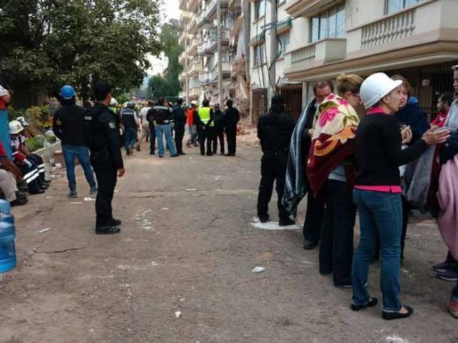 Murieron 20 nenes tras el derrumbe de una escuela — Terremoto en México