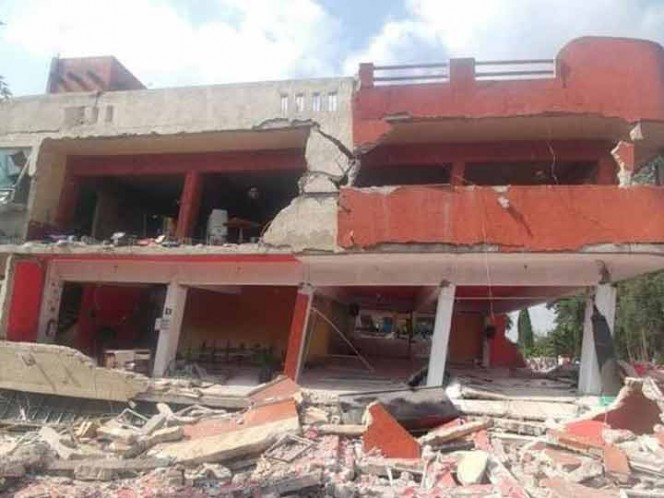 Llaman a llevar ayuda a Xochimilco, hay gente atrapada bajo escombros