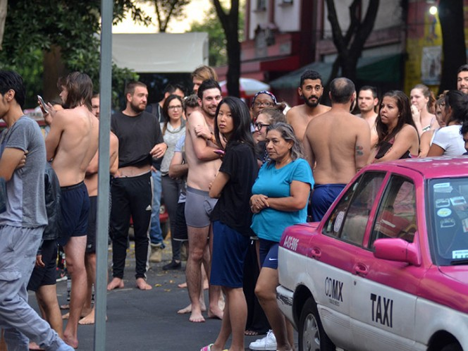 Autoridades mexicanas reanudan labores tras alerta de nuevos sismos