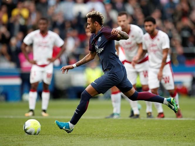 ¿Fin del problema? Cavani le dejó un penal a Neymar